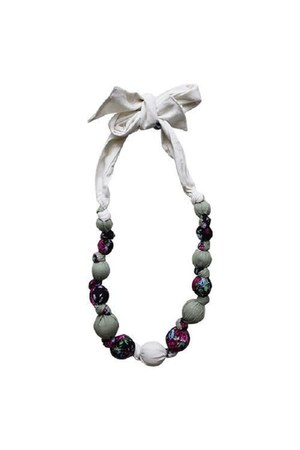 lantana Daisy & Moose necklace