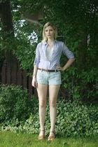 blue Levis shorts - brown vintage belt - blue Converse blouse - white vintage to