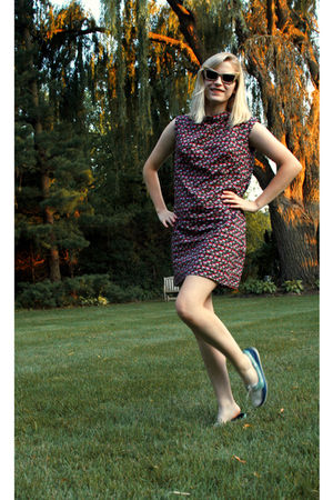 pink DIY dress - gold sunglasses - blue Sperry Topsiders shoes