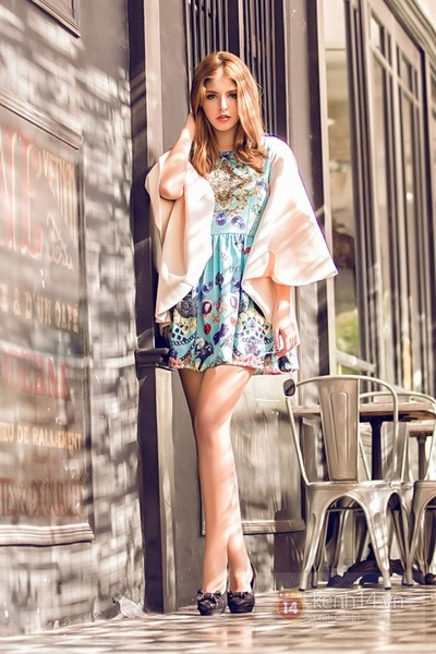 sky blue dress - eggshell jacket - black heels