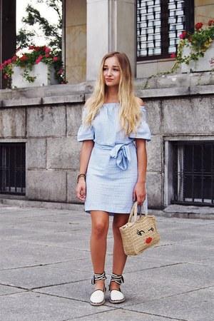 violet Bershka dress