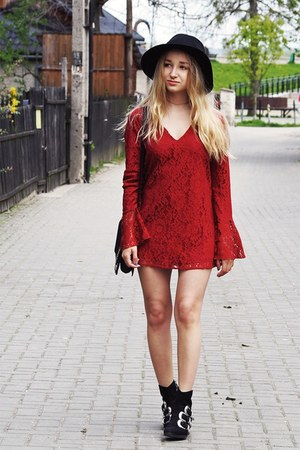 brick red Missguided dress