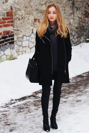 black GAMISS coat