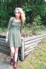 Green-target-dress-brown-dolce-vita-boots-gold-vintage-necklace