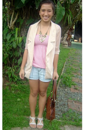 nude blazer - brown bag - light blue shorts - white sandals - pink top - gold ne