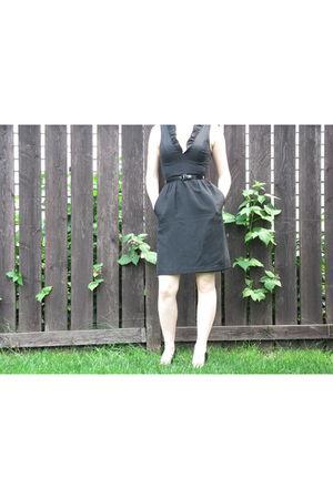 black tracy reese dress - black winners shoes - blue Sherman earrings