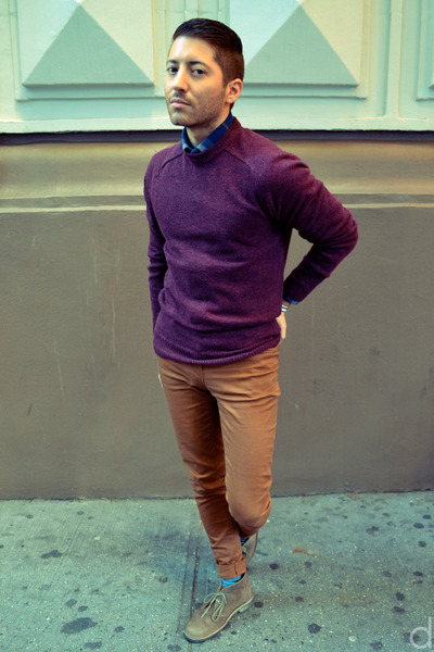 maroon H&amp;M sweater - tan Clarks boots - blue Frank &amp; Oak shirt