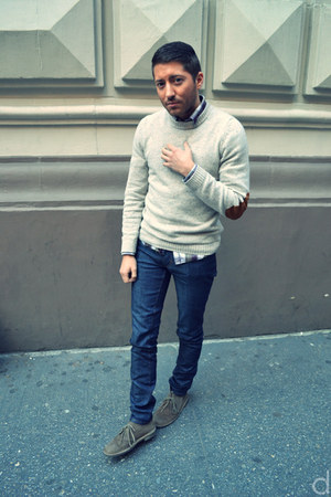 tan Clarks boots - navy acne jeans - beige H&M sweater