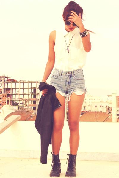 periwinkle distressed vintage shorts - black H&M boots