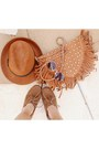Tawny-fringe-vintage-bag-brown-forever-21-shoes-tawny-topshop-hat