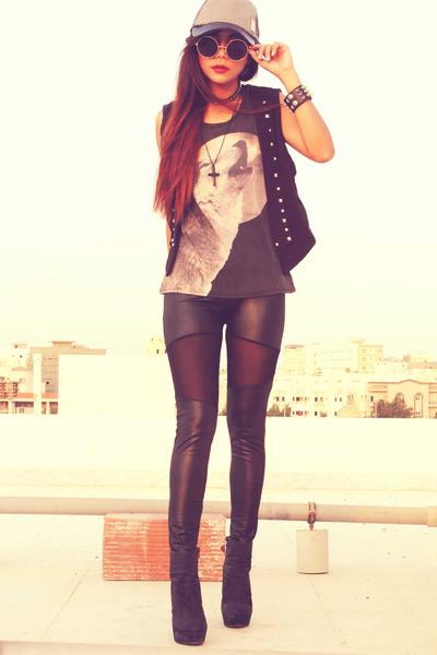 black Oasapcom leggings