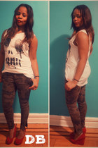 olive green Zara pants - Urban Outfitters t-shirt - Aldo wedges