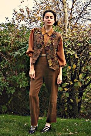 tawny vintage blouse - tan American Apparel belt - mustard eOvu vintage vest