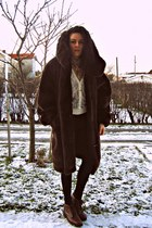 dark brown faux fur vintage coat - tan American Apparel shirt