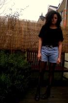 brown Raffaela Venturini shoes - blue Levis shorts