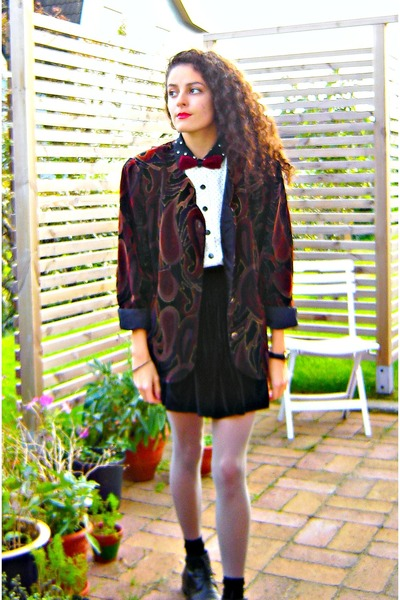brick red velvet eOvu vintage jacket - white polka dot thrifted vintage blouse