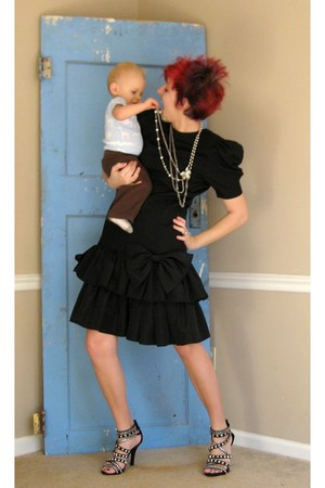 black vintage dress - black Bakers heels