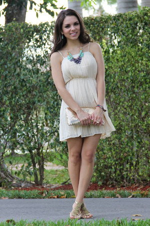 Pop of chic ring - Forever 21 dress - Mimi Boutique bag - Mimi Boutique necklace