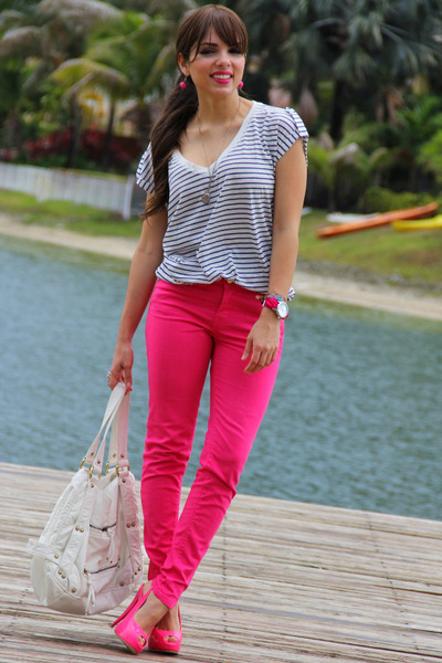 Hot Pink Zara Jeans - How to Wear and Where to Buy | Chictopia