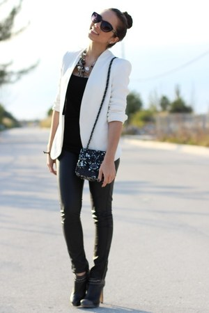 black sequined Mimi Boutique bag - black BCBG shoes - white Zara blazer