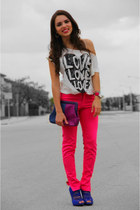 Neon pink- Color blocking