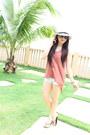 Cotton-on-hat-wet-seal-shorts-havaianas-sandals