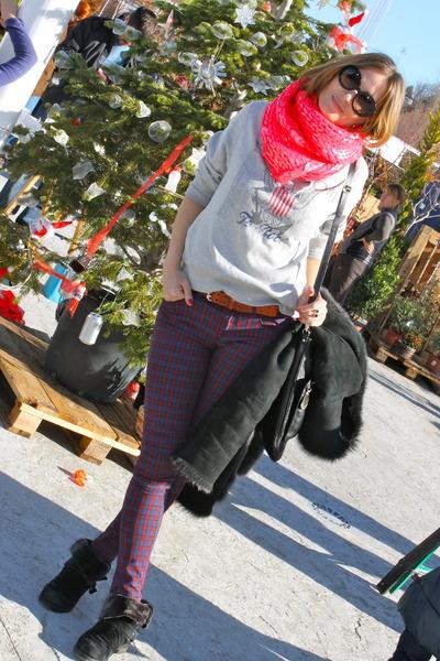 H&M scarf - hakei boots - Primark sweatshirt