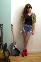 black shirt - blue denim Levis shorts - gold leopard vintage blouse - ruby red p