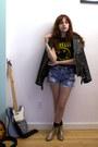 Gold-glitter-vivienne-westwood-boots-black-vintage-jacket-black-nirvana-shir