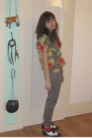 ruby red vintage shirt - heather gray Silence  Noise pants - white oxfords Cande