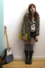 Black-rain-boots-army-green-trench-nasty-gal-jacket-white-urban-outfitters-s