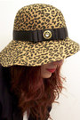 Light-brown-leopard-river-island-hat-white-ralph-lauren-sweater-navy-crested