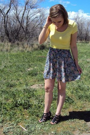 yellow Frenchi top - blue Frenchi skirt - black Nine West shoes - gold vintage a