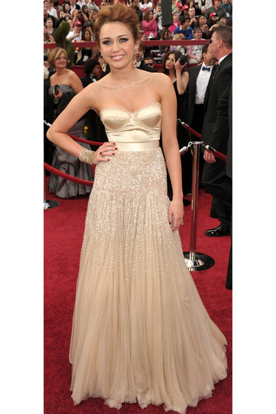 beige Jenny Packham dress