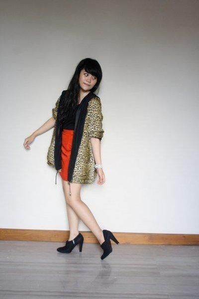 second hand skirt - second hand jacket - Zara boots