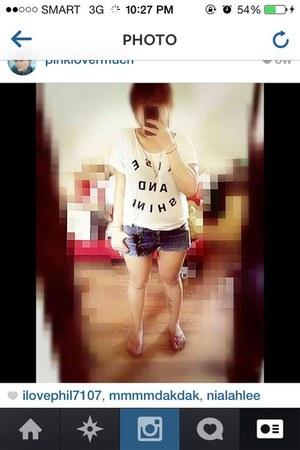 white GH top - blue DIY shorts - black glasses - hot pink Havianas sandals