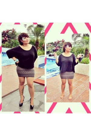 black People are People shoes - black smx expo skirt - black top