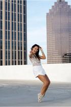 white envelope Zara shorts - black wayfarer Ray Ban sunglasses