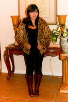 Vtg coat - Old Navy intimate - Target leggings - Icora boots