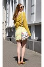 Yellow-knitted-asos-sweater-yellow-ruffle-asos-sandals