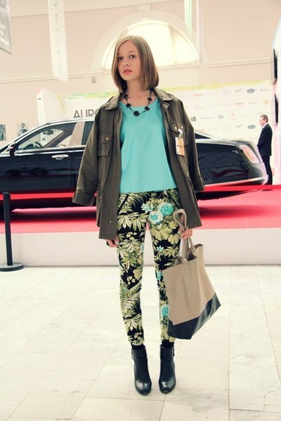 sky blue Hand Made top - chartreuse Zara pants