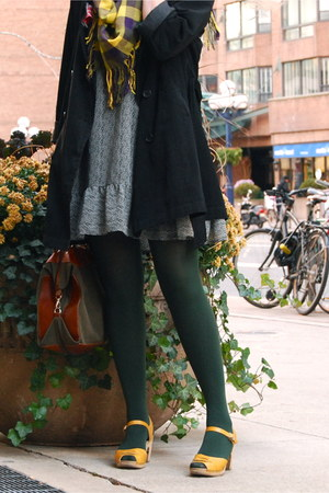 Laura Mosolo bag - H&M dress - Gap tights - Hasbeens shoes - UO scarf - tabi coa