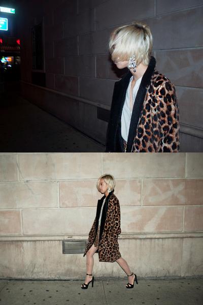 brown leopard Pixie Market coat - beige kitty Pixie Market tights