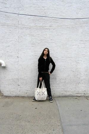 black jordan sneakers - off white kaws x uniqlo Uniqlo bag