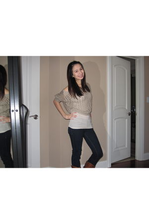 beige Gilly Hicks blouse - blue hollister jeans - beige Gilly Hicks intimate