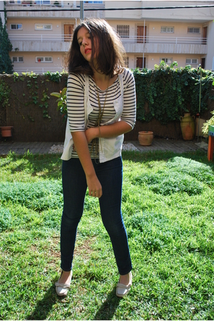 Oysho t-shirt - BLANCO jeans - mama shoes - Stradi necklace