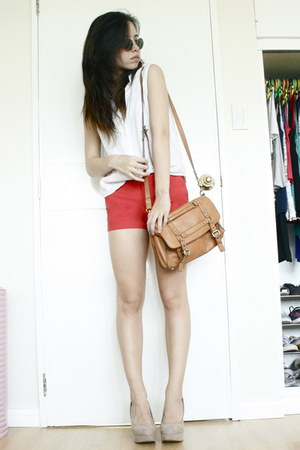 Forever 21 bag - Zara shorts