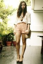 H&M bag - Forever 21 shorts - Forever 21 blouse - Mango glasses