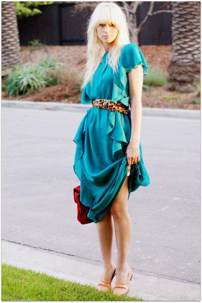 turquoise blue dress - red bag - bronze leopard print belt