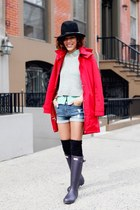 black boots - red coat - black hat - silver sweater - lime green shirt